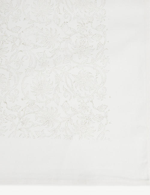 THE WHITE COMPANY Block print tablecloth 140cm x 230cm