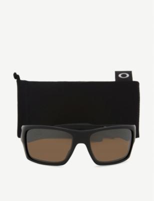bf277dd57a Oakley Turbine Polarised Prizm™ Square-Frame Wrap-Around Sunglasses In  Matte Black