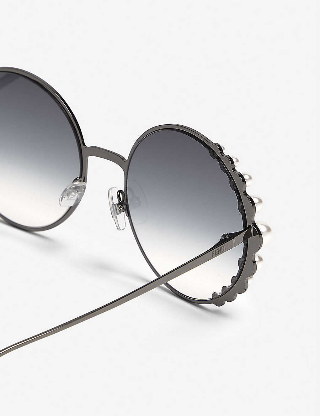 14847e68a7 ... Ribbons and Pearls oversized round-frame sunglasses - Silver zoom