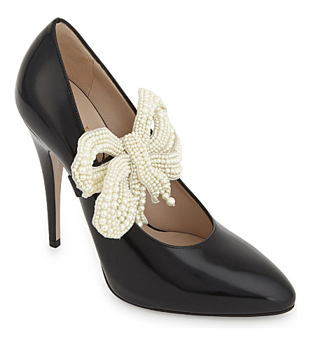 GUCCI ELAISA REMOVABLE PEARLY BOW & LEATHER POINT TOE PUMPS, BLACK