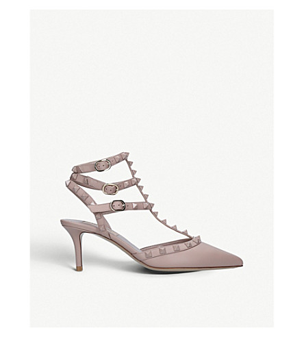 7bb91c8d452 VALENTINO Rockstud 65 leather courts (Nude