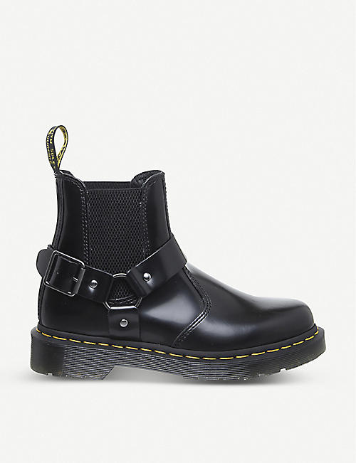 DR. MARTENS: Wincox leather chelsea boots