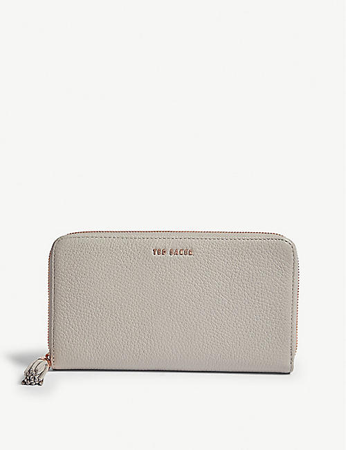 55d08866e612 TED BAKER - Sheea grained leather matinee purse