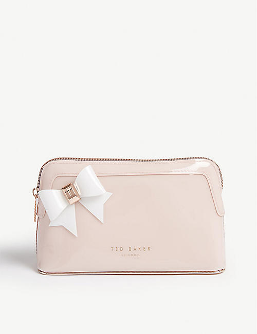 e656b5693d620f TED BAKER - Aubrie bow make-up bag