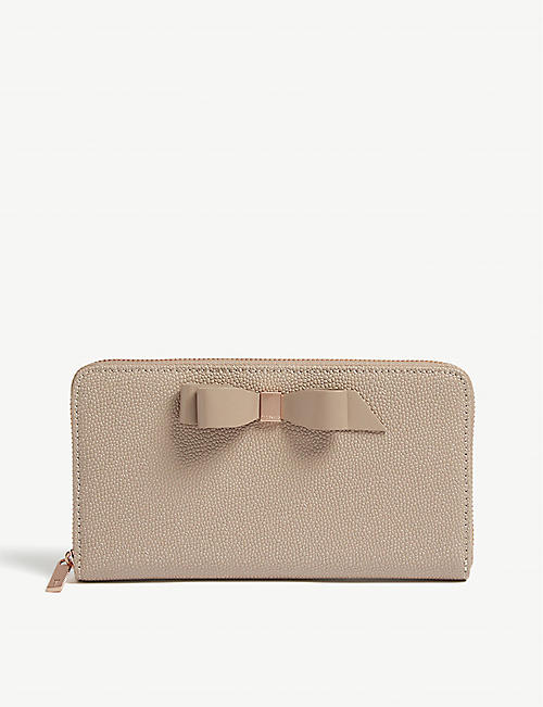 8be45788f8 TED BAKER Bow detail leather matinee purse
