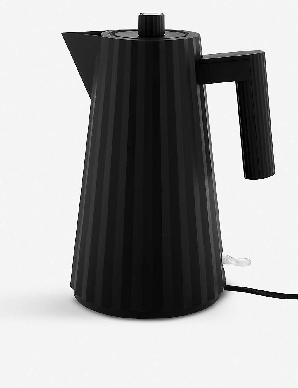 ALESSI: Plissé Electric Kettle