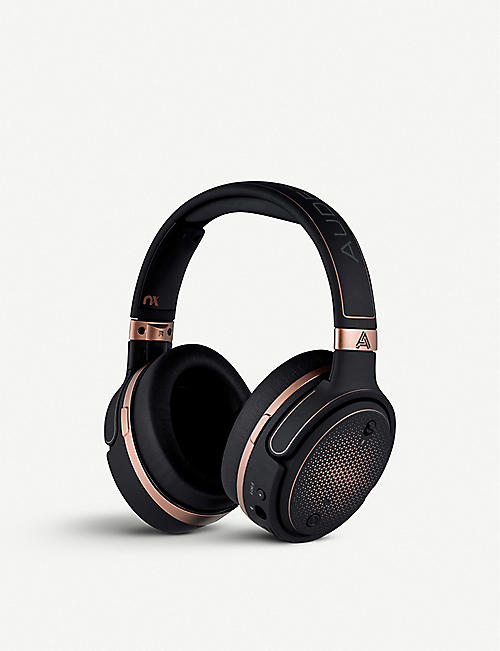 AUDEZE Mobius Wireless gaming headphones