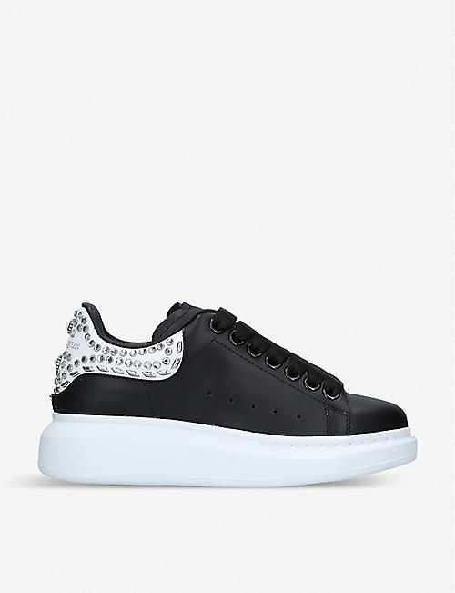 2d0040490 ALEXANDER MCQUEEN Runway stud-detail leather trainers