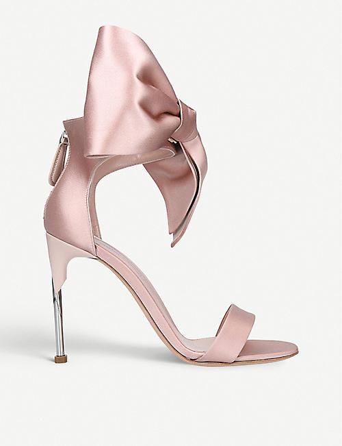 100% authentic c63b4 4e16e ALEXANDER MCQUEEN Bow satin sandals