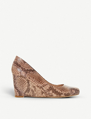 DUNE Anthee snakeprint wedge courts