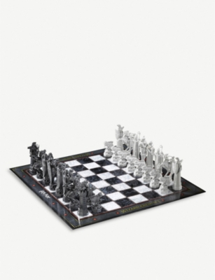 RED 5 Wizard's Chess Set