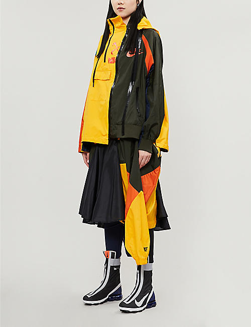 NIKE X SACAI Colour-block high-waist shell midi skirt