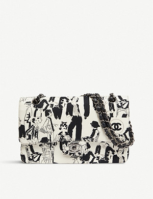 VESTIAIRE COLLECTIVE Chanel graphic-print canvas bag