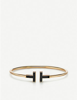 TIFFANY & CO: Tiffany T 18ct yellow-gold and onyx bracelet