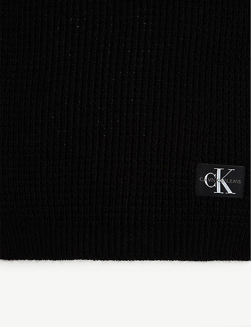CALVIN KLEIN JEANS Waffle-knit hat and scarf set