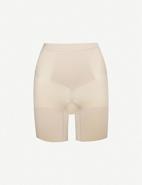 SPANX: OnCore mid-thigh shorts