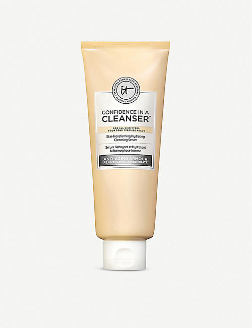 IT COSMETICS: Confidence in a Cleanser 148ml