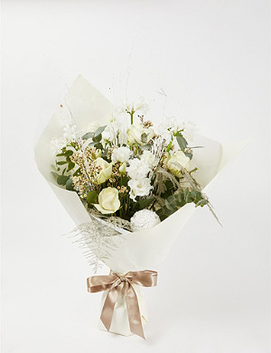 AOYAMA FLOWER MARKET Winter Wonder medium bouquet
