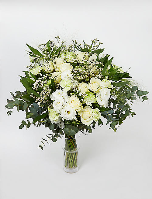AOYAMA FLOWER MARKET Innocent Love extra large bouquet