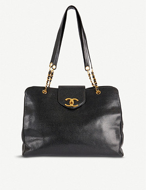 VESTIAIRE COLLECTIVE Chanel Leather Travel Bag