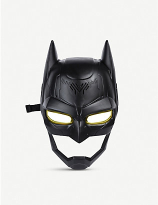 BATMAN: Voice-changing mask