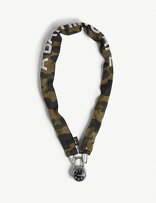 A BATHING APE: Camouflage chain lock
