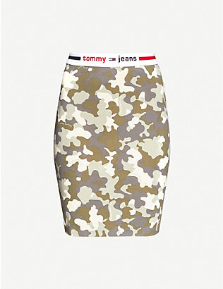 TOMMY JEANS: Camouflage-print stretch-jersey mini skirt