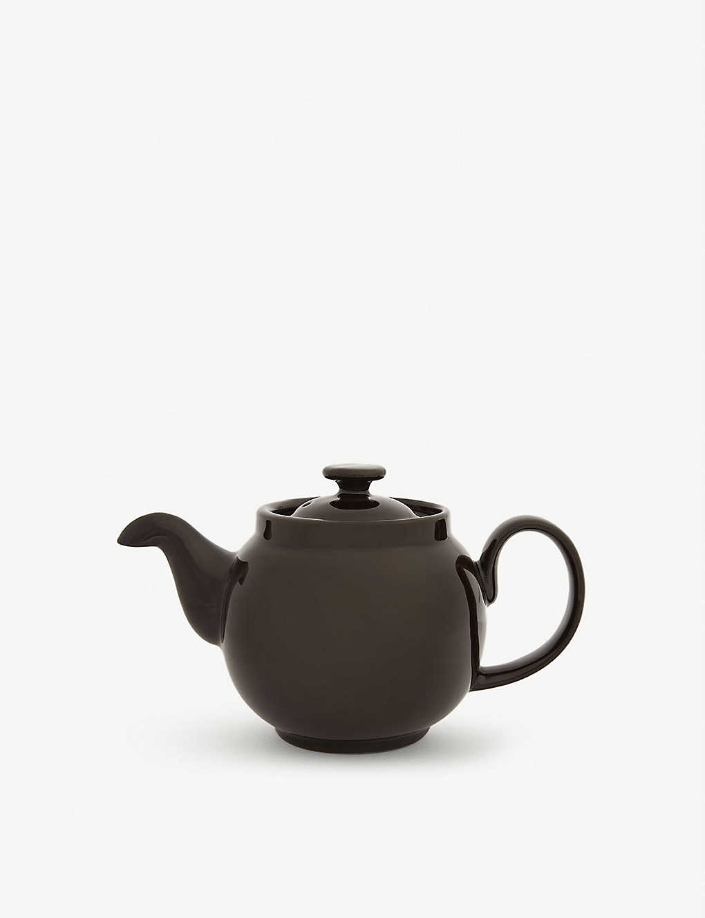 IAN MCINTYRE: Brown Betty ceramic teapot 17cm