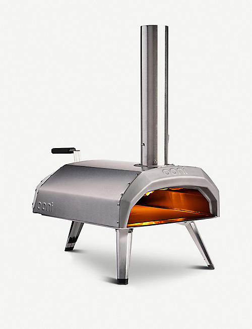 OONI: Karu wood and charcoal-fired portable pizza oven