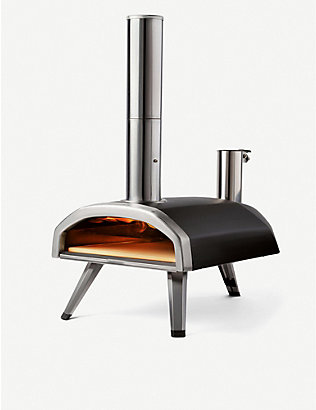 OONI: Fyra portable wood-fired outdoor pizza oven