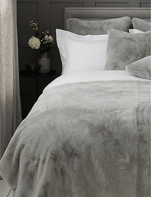 THE WHITE COMPANY: Super-Soft faux-fur throw 140cm x 250cm