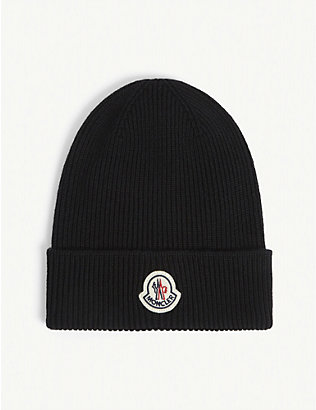 MONCLER: Berretto logo-badge wool beanie