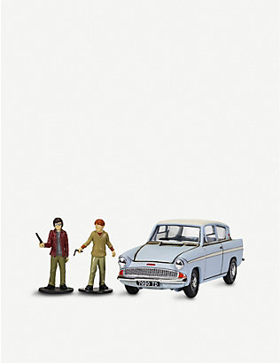 WIZARDING WORLD: Harry Potter Enchanted Ford Anglia model with figures
