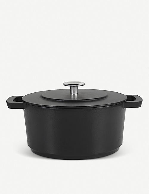 COMBEKK HOMEWARE: Recycled cast-iron Dutch oven 24cm