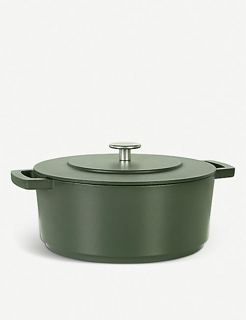 COMBEKK HOMEWARE: Recycled cast-iron Dutch oven 28cm
