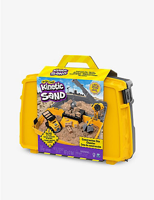 KINETIC SAND: Construction site folding sandbox playset