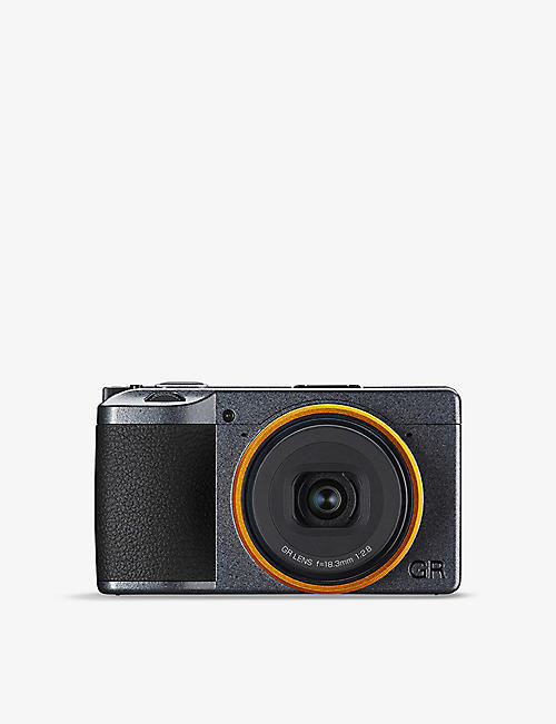 RICOH: GRIII Street Edition Camera Kit