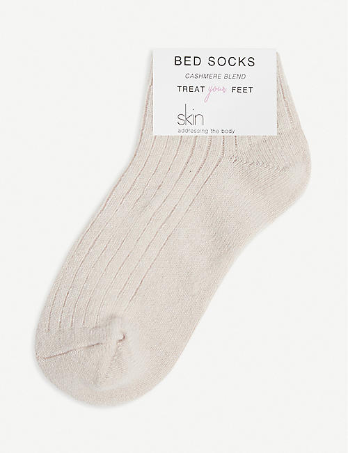 SKIN: Ribbed cashmere-blend bed socks