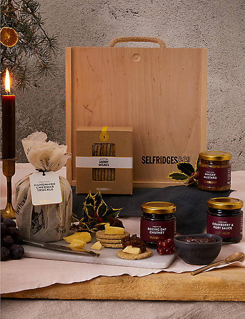 SELFRIDGES SELECTION: Cheddar & Chutney Gift Box::