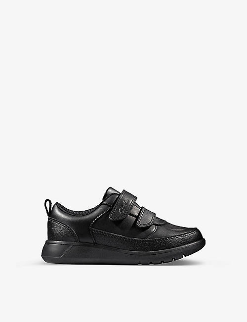 CLARKS: Scape leather shoes 2-4 years