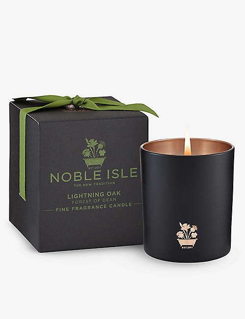 NOBLE ISLE: Lightning Oak scented candle 200g