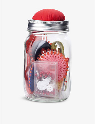 KIKKERLAND: Mason jar sewing kit