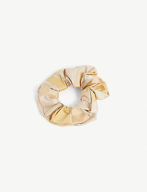 STINE GOYA: Metallic woven scrunchie