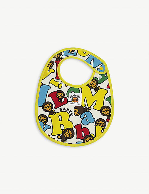 A BATHING APE: Baby Milo-print cotton bib