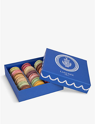 LADUREE: Trianon macarons box of 18 288g