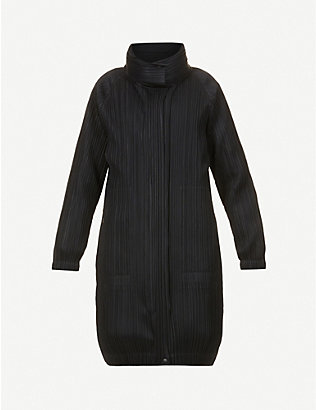 PLEATS PLEASE ISSEY MIYAKE: High-neck pleated woven coat