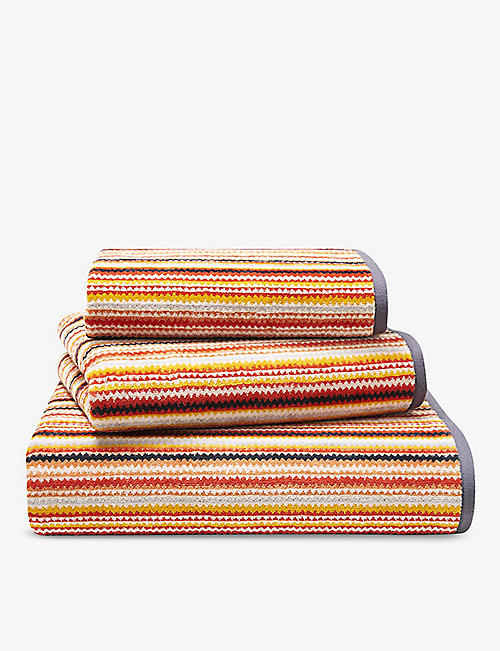 OLIVER DESFORGES: Sur Le Nil striped cotton guest towel 60x42cm
