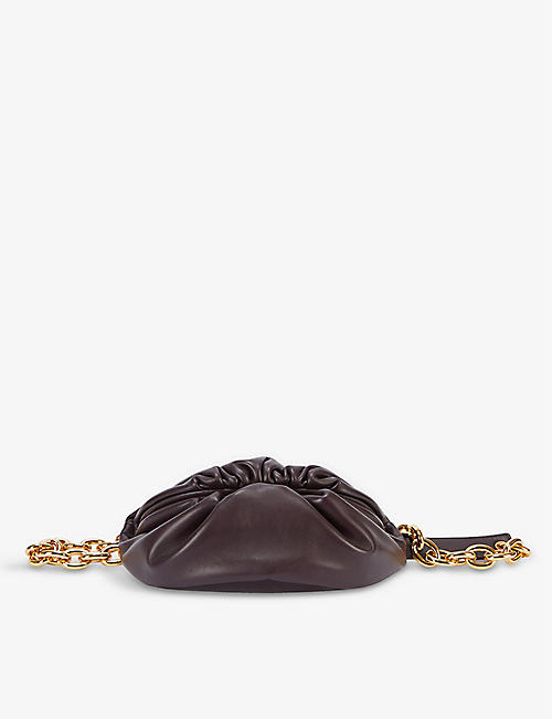 BOTTEGA VENETA:The Chain Pouch 皮革腰包