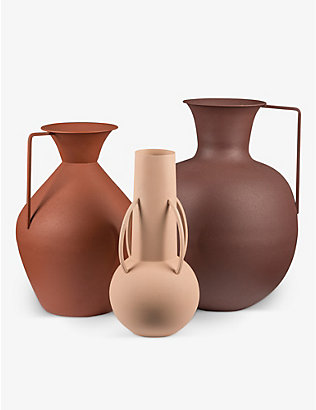 POLS POTTEN: Roman powder-coated metal vase set of three