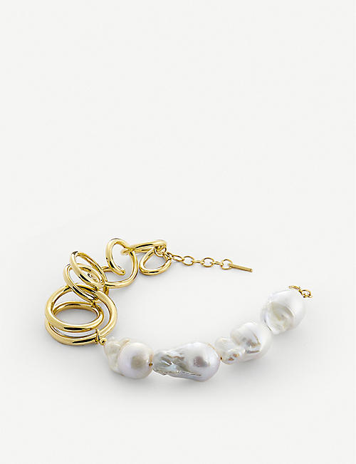 COMPLETEDWORKS: Who's in Charge 14ct yellow gold-plated vermeil silver and pearl necklace